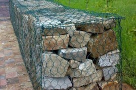 石笼网丝覆塑后使用寿命更加长久
