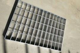 钢格栅板的维护与保养